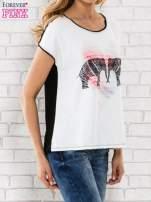Biały t-shirt z nadrukiem słoni                                                                          zdj.                                                                         3
