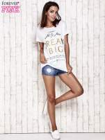 Biały t-shirt z napisem DREAM BIG                                  zdj.                                  2