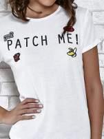 Biały t-shirt z napisem PATCH ME                                                                          zdj.                                                                         5