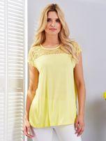 Bluzka żółta z koronkowym dekoltem                                  zdj.                                  1