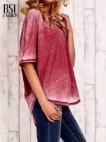 Bordowa bluzka z dłuższym tyłem efekt acid wash                                  zdj.                                  3