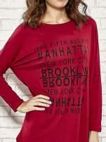 Bordowa sukienka z napisem NEW YORK CITY                                                                          zdj.                                                                         4