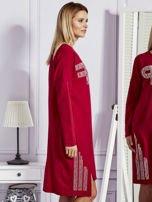 Bordowa sukienka z perełkami i dżetami                                  zdj.                                  5