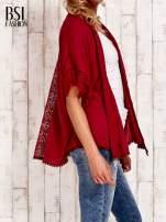 Bordowe kimono z ażurowym tyłem                                  zdj.                                  3