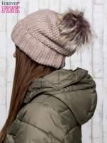Brązowa czapka ze srebrną nitką i futrzanym pomponem                                  zdj.                                  2