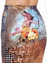Brązowa ołówkowa spódnica z artystycznym nadrukiem                                  zdj.                                  6