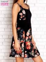 Brązowa sukienka z kwiatowymi wstawkami i kwadratowym dekoltem                                  zdj.                                  3