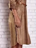 Bordowa zamszowa sukienka z rozcięciami po bokach