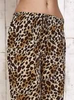 Brązowe lejące spodnie w panterkę                                  zdj.                                  5