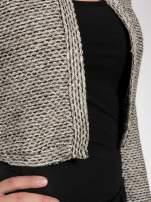 Brązowy melanżowy dzianinowy mini żakiet zapinany na jeden guzik                                  zdj.                                  6