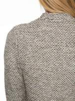 Brązowy melanżowy dzianinowy mini żakiet zapinany na jeden guzik                                  zdj.                                  8