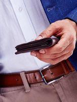 Brązowy portfel dla mężczyzny z ozdobnymi przeszyciami                                  zdj.                                  5