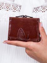 Brązowy portfel w tłoczone motyle                                   zdj.                                  3