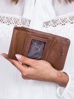 Brązowy portfel w tłoczone motyle                                   zdj.                                  4