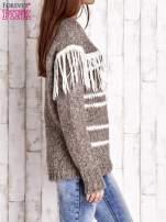 Brązowy wełniany sweter z frędzlami                                  zdj.                                  3