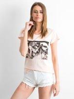 Brzoskwiniowy t-shirt z napisem GANG                                  zdj.                                  3