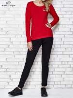 Ciemnoczerwona bluzka sportowa z dekoltem U                                  zdj.                                  2