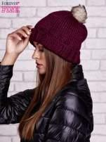 Ciemnofioletowa czapka z futrzanym pomponem                                  zdj.                                  2