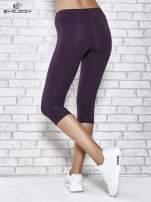 Ciemnofioletowe legginsy sportowe z dżetami i marszczoną nogawką za kolano                                  zdj.                                  2