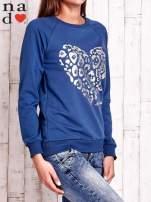 Ciemnoniebieska bluza z nadrukiem serca i napisem JE T'AIME                                                                           zdj.                                                                         2