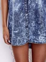 Ciemnoniebieska dekatyzowana sukienka jeansowa o kroju tuniki                                                                          zdj.                                                                         7