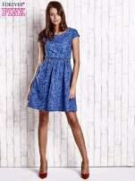 Ciemnoniebieska denimowa sukienka z wycięciem na plecach                                  zdj.                                  4