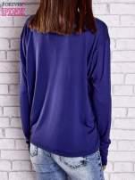 Ciemnoniebieska gładka bluzka z dłuższym tyłem                                                                          zdj.                                                                         5