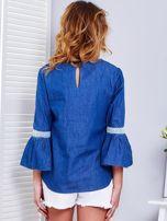 Ciemnoniebieska jeansowa bluzka z szerokimi rękawami                                  zdj.                                  2