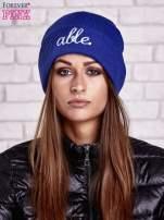 Ciemnoniebieska wywijana czapka z napisem ABLE