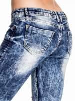 Ciemnoniebieskie spodnie acid wash ripped jeans                                                                          zdj.                                                                         6