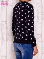 Ciemnoszara bluza z nadrukiem serduszek                                  zdj.                                  2