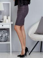 Ciemnoszara spódnica z imitacji zamszu                                  zdj.                                  3