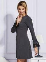 Ciemnoszara sukienka z koronkowymi rękawami                                  zdj.                                  2