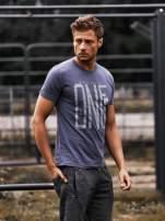Ciemnoszary t-shirt męski z nadrukiem i napisem ONE
