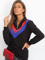 Czarna bluza dresowa z trójkątną aplikacją                                  zdj.                                  1