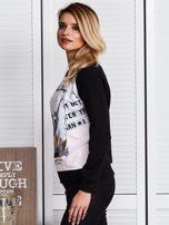 Czarna bluza z motywem dziewczyny                                  zdj.                                  5