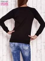 Czarna bluza z motywem róż                                  zdj.                                  4