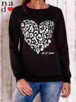 Miętowa bluza z nadrukiem serca i napisem JE T'AIME