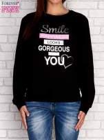 Turkusowa bluza z napisem SMILE HAPPINESS LOOKS GORGEOUS ON YOU                                                                          zdj.                                                                         1