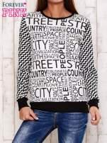 Czarna bluza z tekstowym nadrukiem i geometrycznym tyłem                                  zdj.                                  1