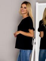 Czarna bluzka z falbanami na rękawach                                  zdj.                                  3