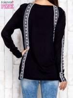 Czarna bluzka z motywami azteckimi i chwostami