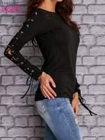 Czarna bluzka z wiązaniem na rękawach                                  zdj.                                  3