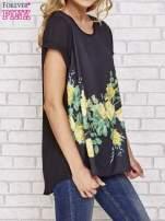Czarna koszula z motywem kwiatów