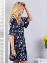 Czarna kwiatowa sukienka z kopertowym dekoltem                                  zdj.                                  3