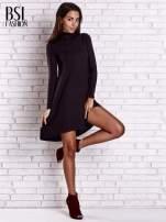 Czarna lejąca sukienka z golfem                                  zdj.                                  3
