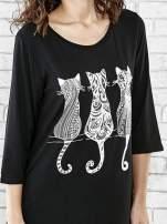 Czarna sukienka damska z nadrukiem kotów                                  zdj.                                  5