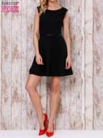Czarna sukienka skater z satynową lamówką                                  zdj.                                  5
