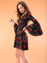Czarna sukienka w kwiaty z szerokimi rękawami                                  zdj.                                  3