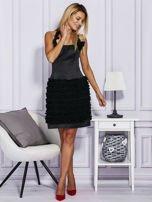 Czarna sukienka z bogato zdobioną spódnicą                                   zdj.                                  4